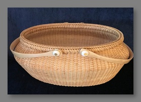 Willow Bay Victorian Basket